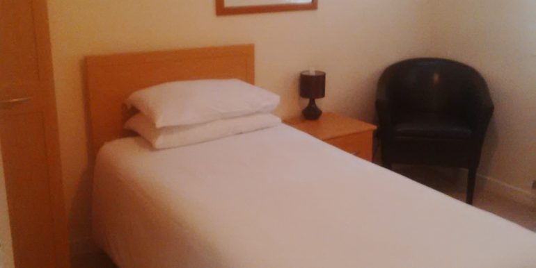 mckenzie guest house bed room 2